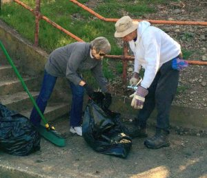 Picking up trash at Magee Field (April 16, 2016,photo by Patrick Hassett)